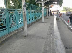 halte di depan pasar senen
